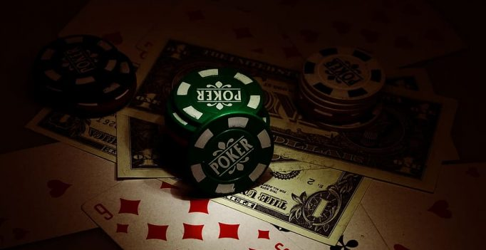 Why You're Nonetheless An Amateur At Online Poker